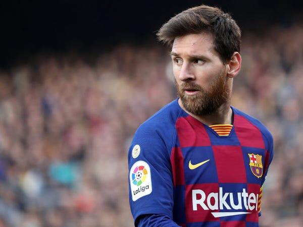 Tin Arsenal 27/8: Bon chen muốn có chữ ký của Messi